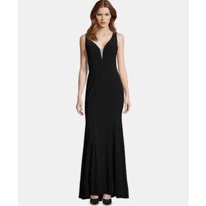 Xscape Embellished V-Neck Formal Gown Black Size 6